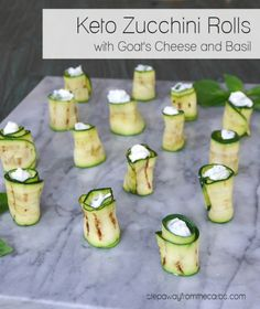 Keto Zucchini Rolls with Goat's Cheese and Basil - a delicious low carb vegetarian appetizer Low Carb Summer Recipes, Low Carb Vegetarian Recipes, Low Carb Recipes, Vegan Recipes, Low Carb Appetizers, Vegetarian Appetizers, Appetizer Recipes, Appetizer Ideas, Salad Recipes