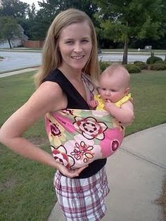DIY Baby Sling: My mom used this pattern when making a sling for my sister-in-law to carry my nephew in & it turned out to be very basic, but very functional & cute! :)