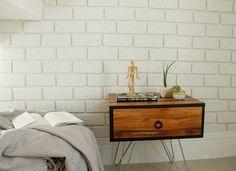 DIY: Parede de tijolinhos incrível com placas de isopor!