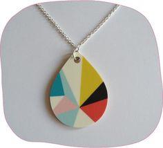 Collier géométrique plusieurs couleurs chez Luz in the Sky