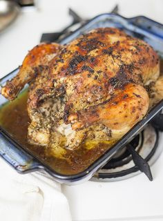Garlic and Herb Oven Roasted Chicken - The Perfect Storm - http://www.theperfectstormbffs.com/2017/01/garlic-and-herb-oven-roasted-chicken.html