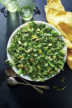 This salad is absolutely chock-full of lovely green spring produce, with textures ranging from crunchy to creamy.#saladrecipes #salads #saladideas #vegetables Grub Recipes, Side Dish Recipes, Salad Recipes, Watercress Recipes, Pea Recipes, Savory Salads, Healthy Salads, Healthy Recipes, Pea Salad
