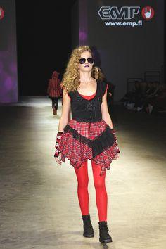 EMP.fi oli I Love Me -messuilla mukana Fashion Model Agencyn (www.fashionmodel.fi) järjestämässä muotinäytöksessä.  Kuvan asukokonaisuus: T-Paita: http://emp.me/74w Hame: http://emp.me/74u Kengät: http://emp.me/74y Käsisuojat: http://emp.me/74v Aurinkolasit: http://emp.me/74x