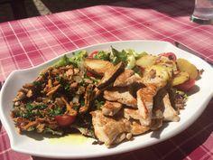 Salat mit Eierschwammerl und Putenstreifen Meat, Chicken, Food, Beef, Meal, Essen, Hoods, Meals, Eten