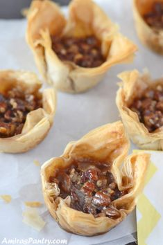 Phyllo pastry cups filled with traditional pecan pie. Take pecan baklava to the next level with a step by step on how to make phyllo cups. Phillo Pastry Recipes, Pastry Cup Recipe, Phyllo Dough Recipes, Puff Pastry Desserts, Savory Pastry, Choux Pastry, Mini Pecan Pies, Pecan Tarts, Brie