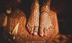 Intricate mehendi design with jaali and 3 small drops instead of dots    #mehendi #mehendidesign #mehendiideas #weddingideas #bridalmehendi #mehndidesigns