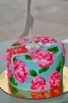 Lilly Pulitzer Cake. I need this on my 21st birthday people.