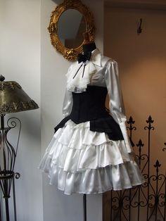 Lolita Fashion, Gothic Fashion, Victorian Fashion, Rock Fashion, Kawaii Clothes, Cosplay Outfits, Lolita Dress, Looks Cool, Gothic Lolita
