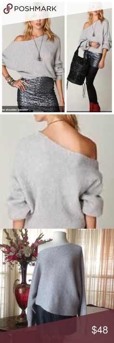 Free People easy days off shoulder grey sweater In excellent condition. Worn just once.                  .                        f Free People Sweaters