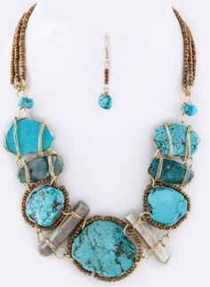 Boho Statement necklace unique and stunning. Turquoise and handcrafted to be a one of a kind treasure! Bohemian chic at it's most fabulous! Big Jewelry, Bohemian Jewelry, Jewelry Design, Jewelry Making, Jewlery, Chunky Jewelry, Unique Necklaces, Statement Necklaces, Bib Necklaces