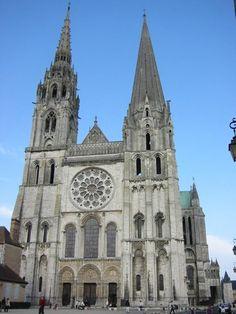 Estilo Gótico - Arquitetura medieval