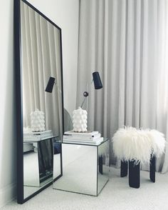 Trendwatch: Mirrored Cube Tables in front of mirrors ! Cube Table, Room Inspiration, Home And Living, Interior Design, House Interior, Home, Interior, Bedroom Inspirations, Home Decor