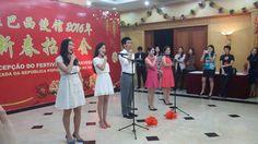 Diretora Guo Zhiyan e professora do Instituto Confúcio da UnB participam de evento na Embaixada da China em Brasília.