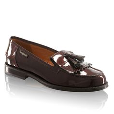 Russell & Bromley present our collection of Women's Designer Loafers & Lace-up Shoes. Explore our collection of luxury tassel loafers in leather & suede. Tassel Loafers, Leather Loafers, Russell & Bromley, Lace Up Shoes, Designing Women, Chester, Luxury, Window, Image