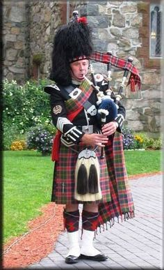 I'm Getting Married In The Morning.of May 2012 (actually, technically at Getting Into A Pickle About The Piper Scottish Costume, Scottish Dress, Scottish Clothing, Men In Kilts, Kilt Men, Scottish Bagpipes, Tartan, Plaid, England And Scotland