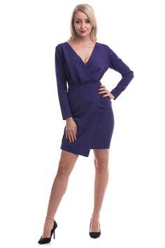 Rochie de ocazie scurtă, model ușor asimetric în partea de jos, model petrecut la bust, mâneci lungi, închidere în fermoar la spate Dresses For Work, Model, Fashion, Moda, Fashion Styles, Scale Model, Fashion Illustrations, Models