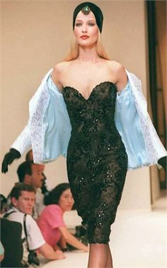 Givenchy Fall/Winter 1995/1996