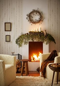 46 Beautiful Christmas Interior Design Ideas You Never Seen Before - - 46 Beaut. - 46 Beautiful Christmas Interior Design Ideas You Never Seen Before - - 46 Beautiful Christmas Interior Design Ideas You Never Seen Before - Outdoor Christmas Decorations, Christmas Themes, Christmas Pictures, Decorating Your Home, Interior Decorating, Interior Design, Christmas Interiors, Pastel, Open Fires