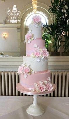 Pink and White Angel Wedding Cake. Serves 130 Guests - We . Bedient 130 Gäste – Wedding Cake Love – … Pink and White Angel Wedding Cake. 4 Tier Wedding Cake, Purple Wedding Cakes, Elegant Wedding Cakes, Elegant Cakes, Beautiful Wedding Cakes, Wedding Cake Designs, Beautiful Cakes, Pale Pink Weddings, Wedding Cake Roses