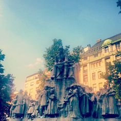 statue in #budapest #hungary
