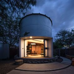 Natural Disaster - How One Couple Turned A Grain Silo Into A Home - Photos Exterior Design, Interior And Exterior, Silo House, Grain Silo, Building A Tiny House, Modern Tiny House, Dome House, Building Exterior, Home Photo