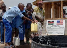 Clean_drinking_water_in_Djibouti_DVIDS92984.jpg (3612×2604)