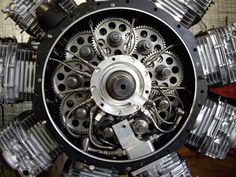 Sutton 9 cylinder radial; Man Look at all the Camshafts!! Need Some Serious Bearings