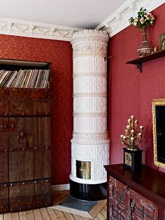 Tiled antique Scandinavian ornamented heating stove - Kakelugn