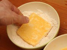 Tökéletes rántott sajt recept lépés 6 foto Pineapple, Dairy, Cheese, Fruit, Food, Pine Apple, Essen, Meals, Yemek