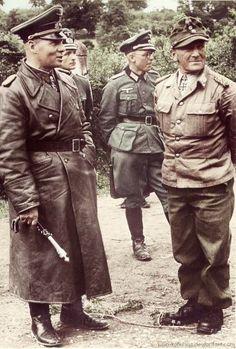 Rommel holding his Field Marshals baton                                                                                                                                                                                 Más