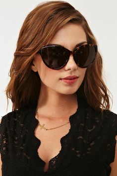 Must have these Chantal Shades from Nicole Ritche's House of Harlow collection.  I usually buy cheap sunglasses but I am going to have to make an excepton here.  PERFECTION!