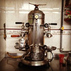 Amazing manual oldschool coffee machine at the bus station in Armenia. Coffee Tables Uk, Coffee Drinks, Armenia, Coffee Making Machine, Coffee Machines, Colombian Coffee, Bus Station, 40 Years Old, Clean Up