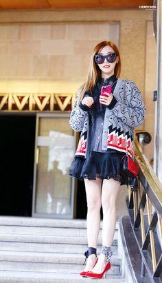 Tiffany in Paris Snsd Airport Fashion, Snsd Fashion, Korean Fashion Dress, Ulzzang Fashion, Fashion Show, Fashion Looks, Asian Fashion, Snsd Tiffany, Tiffany Hwang