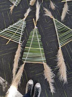 Kites For Kids, Crafts For Kids, Kite Making, The Pleiades, Cool Kids, Kids Fun, Becoming A Teacher, Maori Art, Feel Fantastic