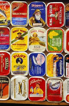 If you are interested in Norwegian vintage Sardin tin design and are near the sea side town Stavanger you should visit the Norwegian Canning Museum. Vintage Tins, Vintage Labels, Vintage Packaging, Packaging Design, Food Packaging, Norway Food, Norwegian Food, Scandinavian Food, Tin Art