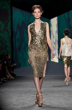 The gilded trend followed by Vera Wang