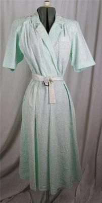 """Vintage Retro 1980's does 50's """"all that jazz"""" mint white shirt swing day dress  $7"""