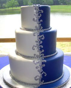 royal blue winter wedding cake   Wedding Cake Fillings