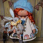 Куклы и игрушки ручной работы. Ярмарка Мастеров - ручная работа Малышка в пальтишке (с зайкой). Handmade. Pretty Dolls, Cute Dolls, Beautiful Dolls, Baby Doll Clothes, Baby Dolls, Diy Rag Dolls, Waldorf Dolls, Soft Dolls, Fabric Dolls