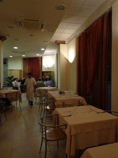 """Innenleben vom """"Il Punto"""" in Chiusi - ein wenig kühl, doch sehr angenehm."""