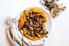 CREAMY ROASTED SQUASH & CRISPY MUSHROOMS. | Kale & Caramel