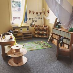 The children spent most of their time in our Construction Area last year so I made it just as big of an area this year. We have the typical… Preschool Classroom Decor, Eyfs Classroom, Preschool Rooms, Classroom Setup, Classroom Design, Construction Area Ideas, Construction Area Early Years, Construction Business, Construction Birthday