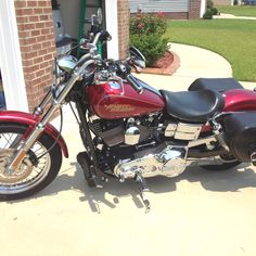 2005 Harley Davidson Dyna Lowrider & in this color too!