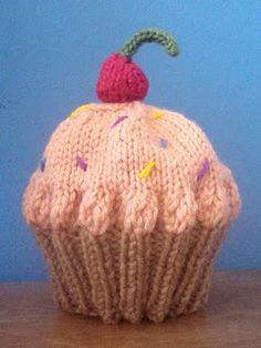 Free knitting pattern for this Cupcake Hat