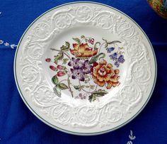 Bognor Wedgwood Plate Floral Molded Patrician Lunch Plate 1940s Flower Bouquet Creamware #GotVintage #Vintage