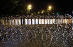Yerevanda silahlı dəstə girov saxladığı iki həkimi azad edib -->http://goo.gl/9wlhYe