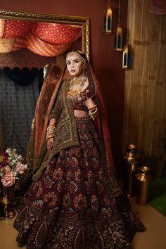 Indian Bridal Lehenga, Indian Bridal Outfits, Indian Bridal Fashion, Latest Bridal Lehenga Designs, Wedding Lehenga Designs, Indian Gowns Dresses, Indian Fashion Dresses, Engagement Dress For Bride, Bridal Lehenga Collection