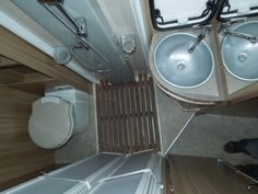 1000 id es sur salle de bains camping car sur pinterest camping car rv campers et campeur. Black Bedroom Furniture Sets. Home Design Ideas