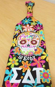 paddle flower power❀ go Gaby!! This paddle was made by a sister from the gamma pi chapter at the University of Tampa