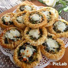 Kuş yuvası böreği Mole, Cheddar, Brunch Party, Bread Cake, Spanakopita, Tahini, Food Presentation, Bread Baking, Pasta Salad